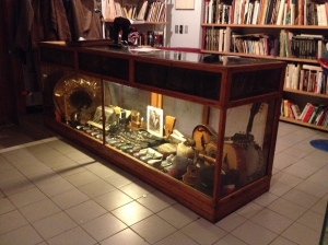 Antique display case, year ?